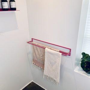 Håndklædeholder med plads til to håndklæder